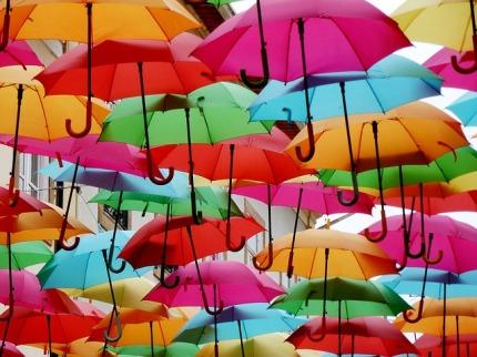 umbrellas-2780390_640